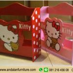 Rak Baca Koran Hello Kitty Unik